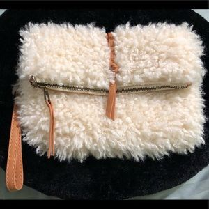 Sheep's fur large clutch